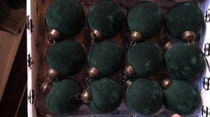 Velourkula Grön L
