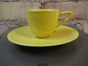 Espressokopp med fat Gul