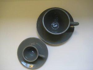 Cappuccinokopp med fat Grå blank