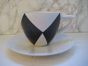 Cappuccinokopp med fat Harlekin vit